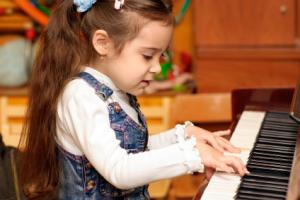/Files/images/girl and piano.jpg